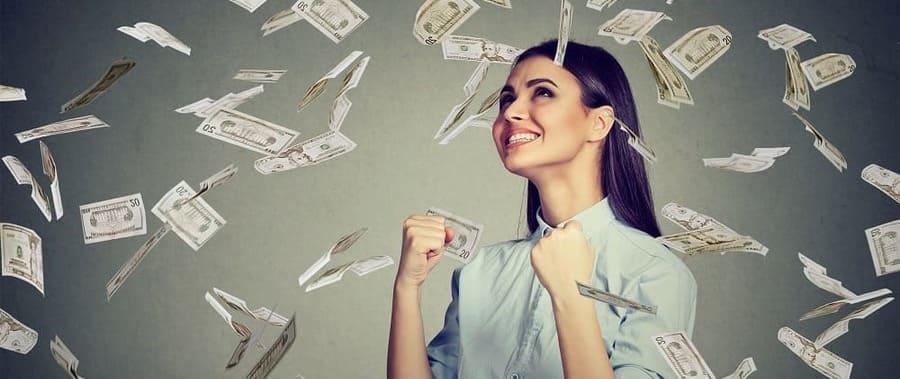 Можно ли выдать заработную плату раньше установленного срока